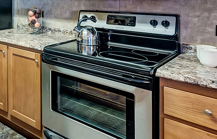 Stainless Steel Electric Range Smooth-Top Self-Cleaning